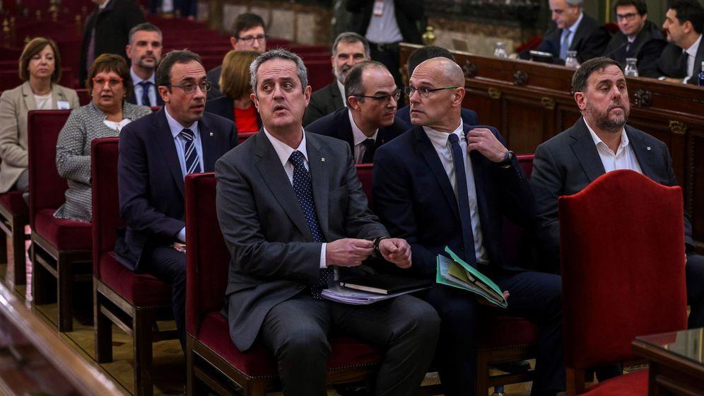 Foto: Los líderes independentistas, en el banquillo de los acusados. (EFE)