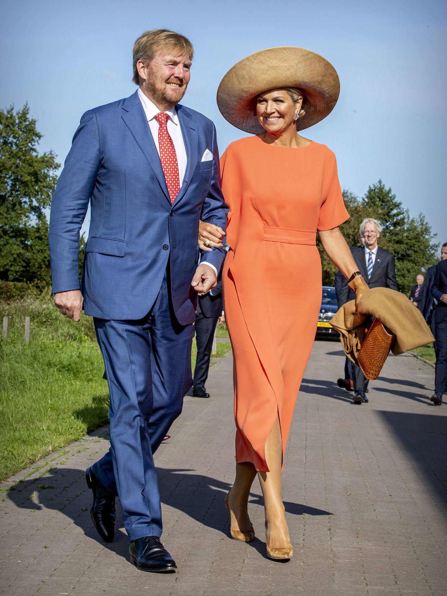 Los reyes de Holanda, en una visita a Frisia. (Getty)