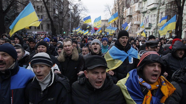 Manifestantes proeuropeos durante una protesta en Kiev (Reuters).