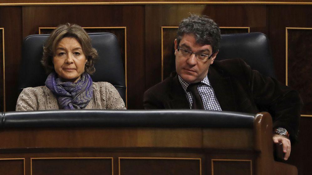 Foto: La ministra de Agricultura, Isabel García Tejerina (i), y el ministro de Energía, Turismo y Agenda Digital, Alvaro Nadal. (EFE)
