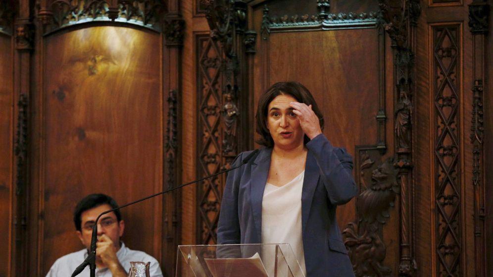 Foto: La alcaldesa de Barcelona, Ada Colau, y el primer teniente de alcalde, Gerardo Pisarello. (EFE)