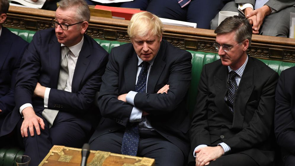 Foto: Britain's prime minister boris johnson, chancellor of the duchy of lancaster michael gove, and leader of the house of commons jacob rees-mogg attend in the house of commons in london