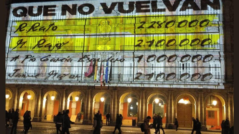 Podemos se atribuye la proyección de los 'papeles de Bárcenas' en Madrid