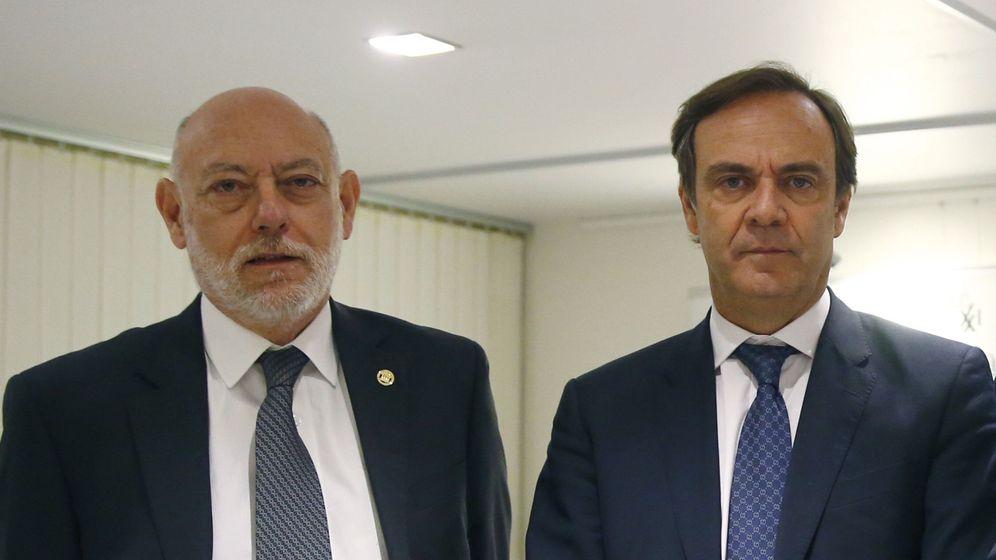 Foto:  El presidente de la Audiencia Nacional, José Ramón Navarro, con José Manuel Maza. (EFE)