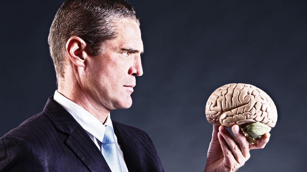 Foto: Edward de Bono decía que no es más inteligente el que mejor piensa, sino el que sabe adaptarse. (iStock)
