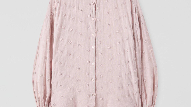 Camisa plumeti de Pull and Bear. (Cortesía)