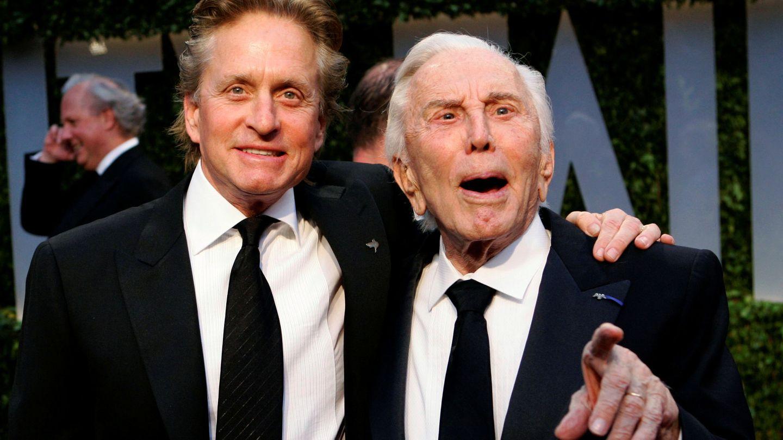 Michael Douglas, con su padre. (Reuters)