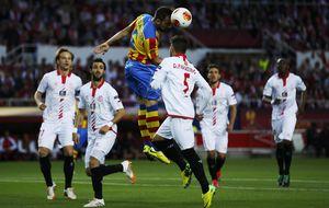 La 'reamuntada' del Valencia contra la ventaja del Sevilla por una final