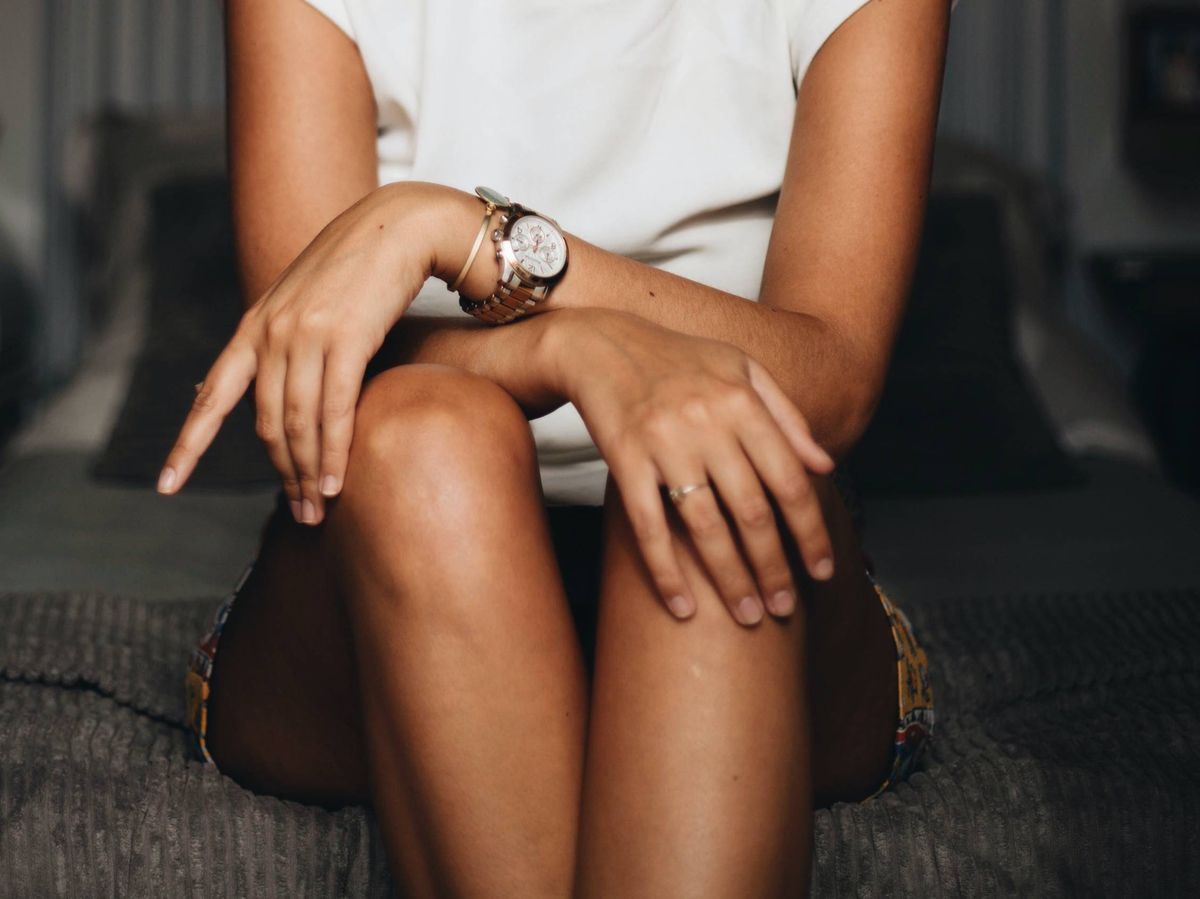 Foto: Encuentra el reloj perfecto para ti en esta lista de diseños asequibles y atemporales. (Unsplash)