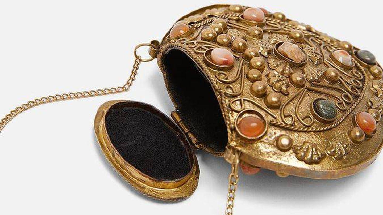 Bolso collar de Zara Studio. (Cortesía)