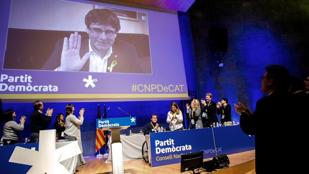 Foto: Artur Mas se despide del PDeCAT y de Puigdemont por videoconferencia. (EFE)