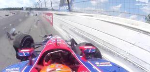 Post de El brutal accidente en la Indy: varios coches involucrados en un golpe en cadena