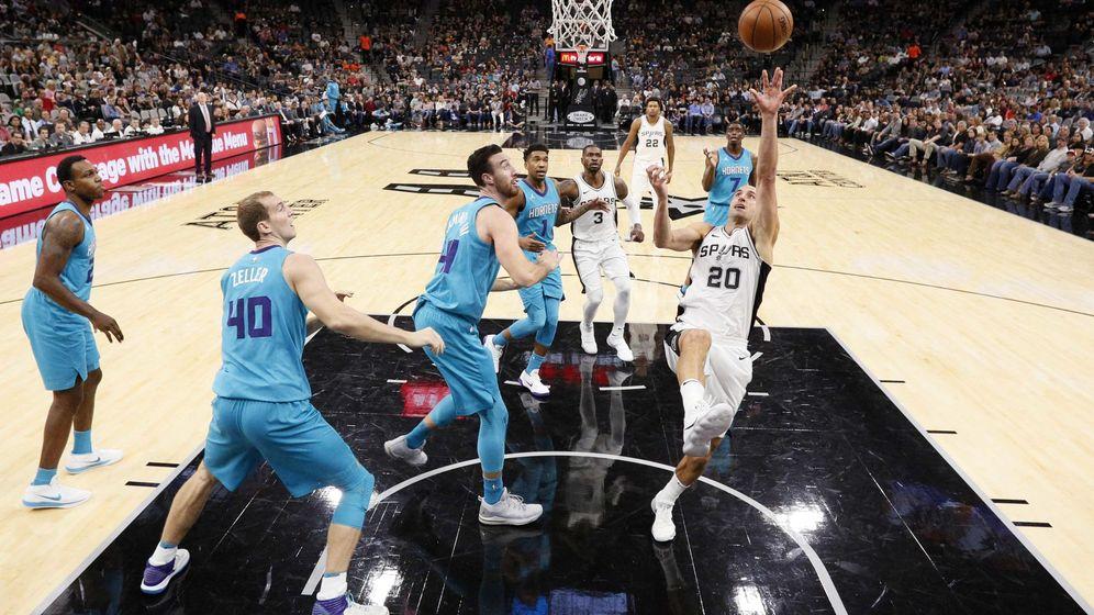 Foto: Manu Ginóbili jugó este viernes su partido 1.000 en la NBA. (USA TODAY Sports)