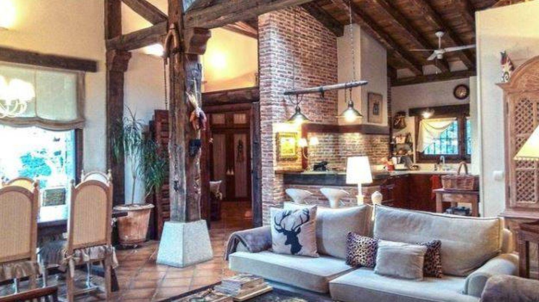 El salón de la casa de Iglesias y Montero, antes de ser de su propiedad.