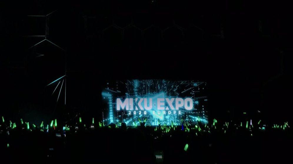 Foto: El espectáculo de Hatsune Miku reunió a 3.000 personas en Barcelona (Foto: Twitter)
