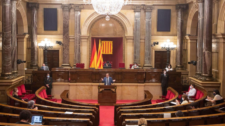 El Parlament catalán reprueba a Sánchez por el 155 y pide la abdicación del Rey
