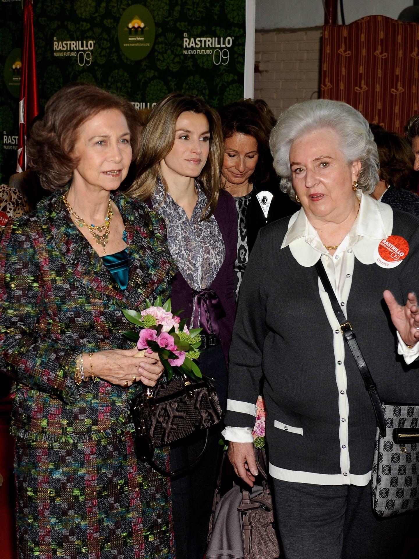La infanta Pilar, la reina Sofía y la reina Letizia, en una imagen de archivo. (Getty)
