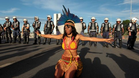 Los índios exigen en Brasilia la demarcación de sus tierras