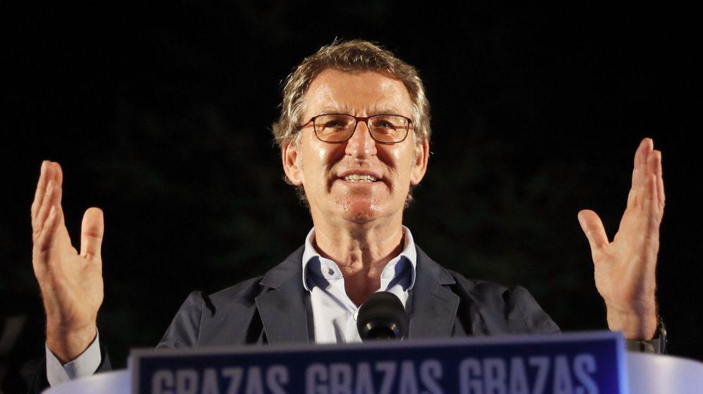 Foto: El presidente de la Xunta, Alberto Núñez Feijóo, tras revalidar su cuarta mayoría absoluta. (EFE)