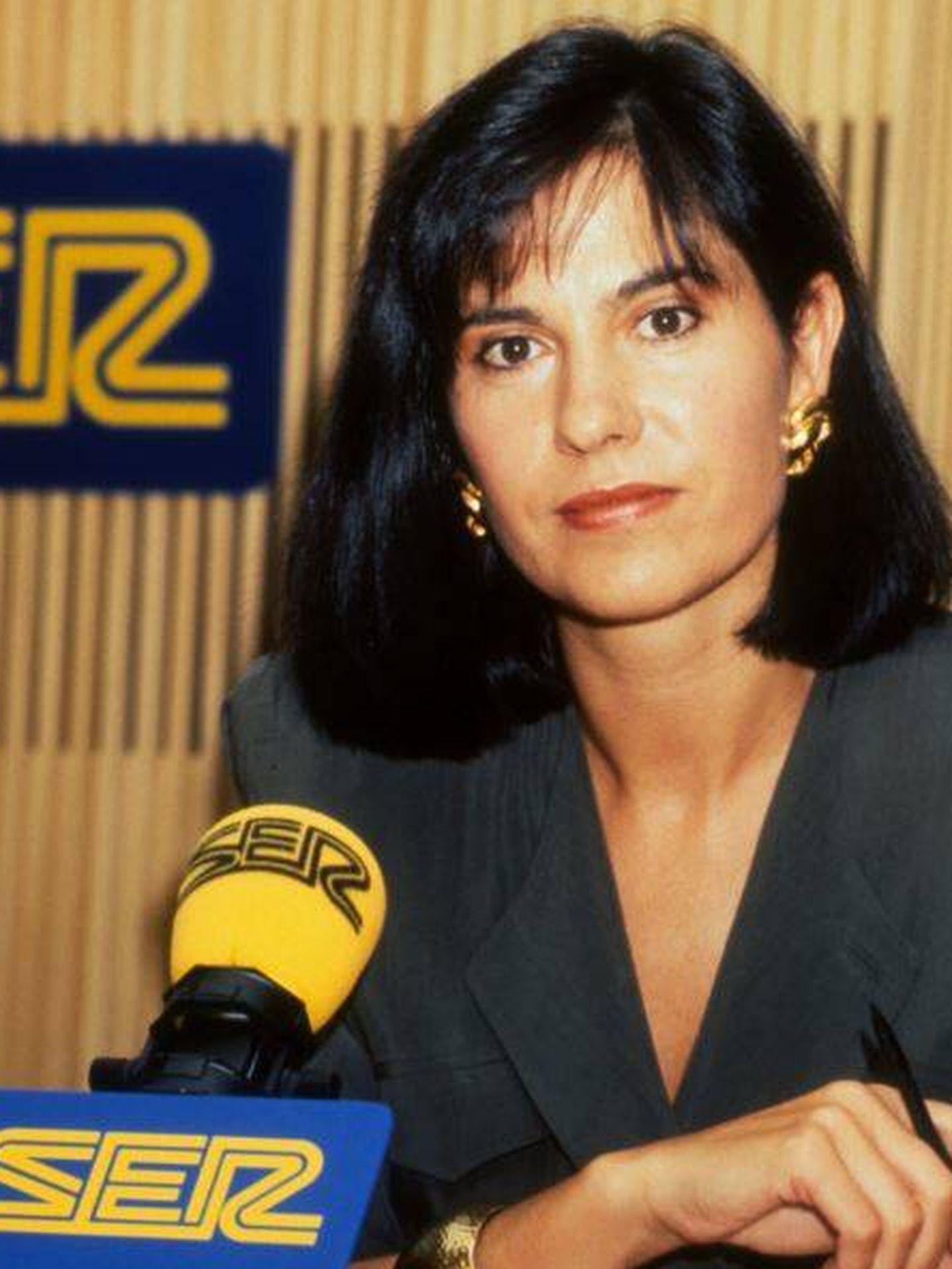 La periodista durante su época en Cadena Ser. (Plaza & Janés)