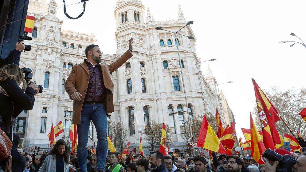 Foto: El líder de Vox, Santiago Abascal, en un acto en Cibeles. (EFE)