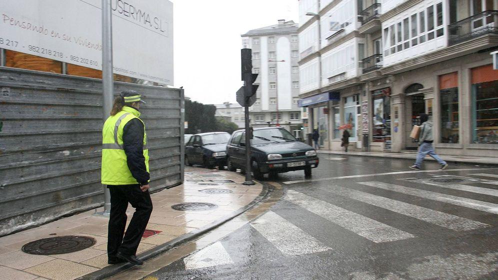 Foto: La Policía Local de Lugo tuvo que actuar para desalojar dos fiestas ilegales (EFE/Eliseo Trigo)