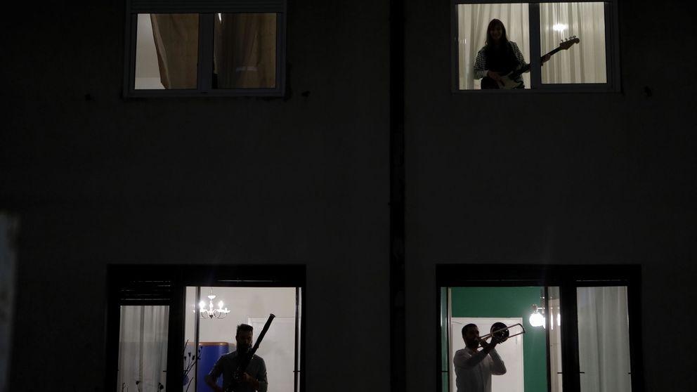 Con la música a otra parte: Donostia llama a silenciar las sesiones nocturnas en balcones