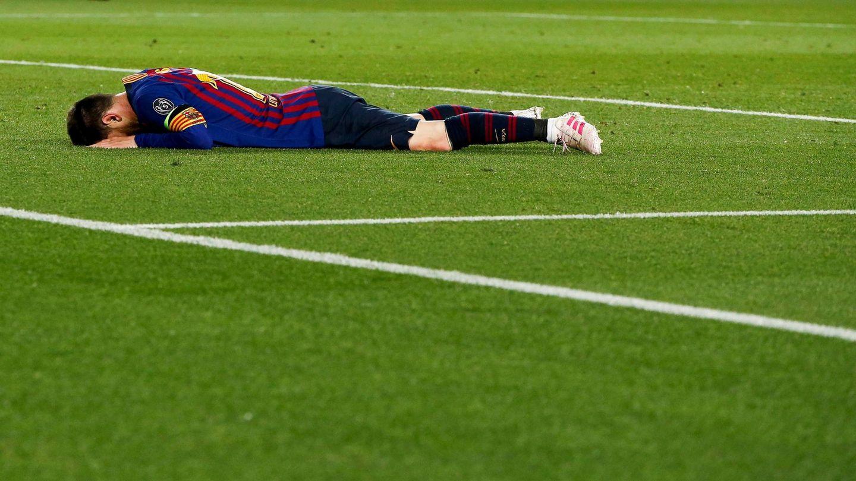El argentino, destrozado en el césped tras caer en las semifinales de Champions contra el Liverpool. (EFE)