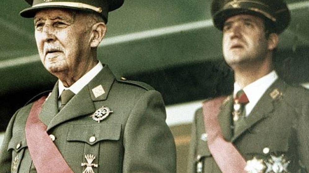 Foto: Francisco Franco, con el rey Juan Carlos.