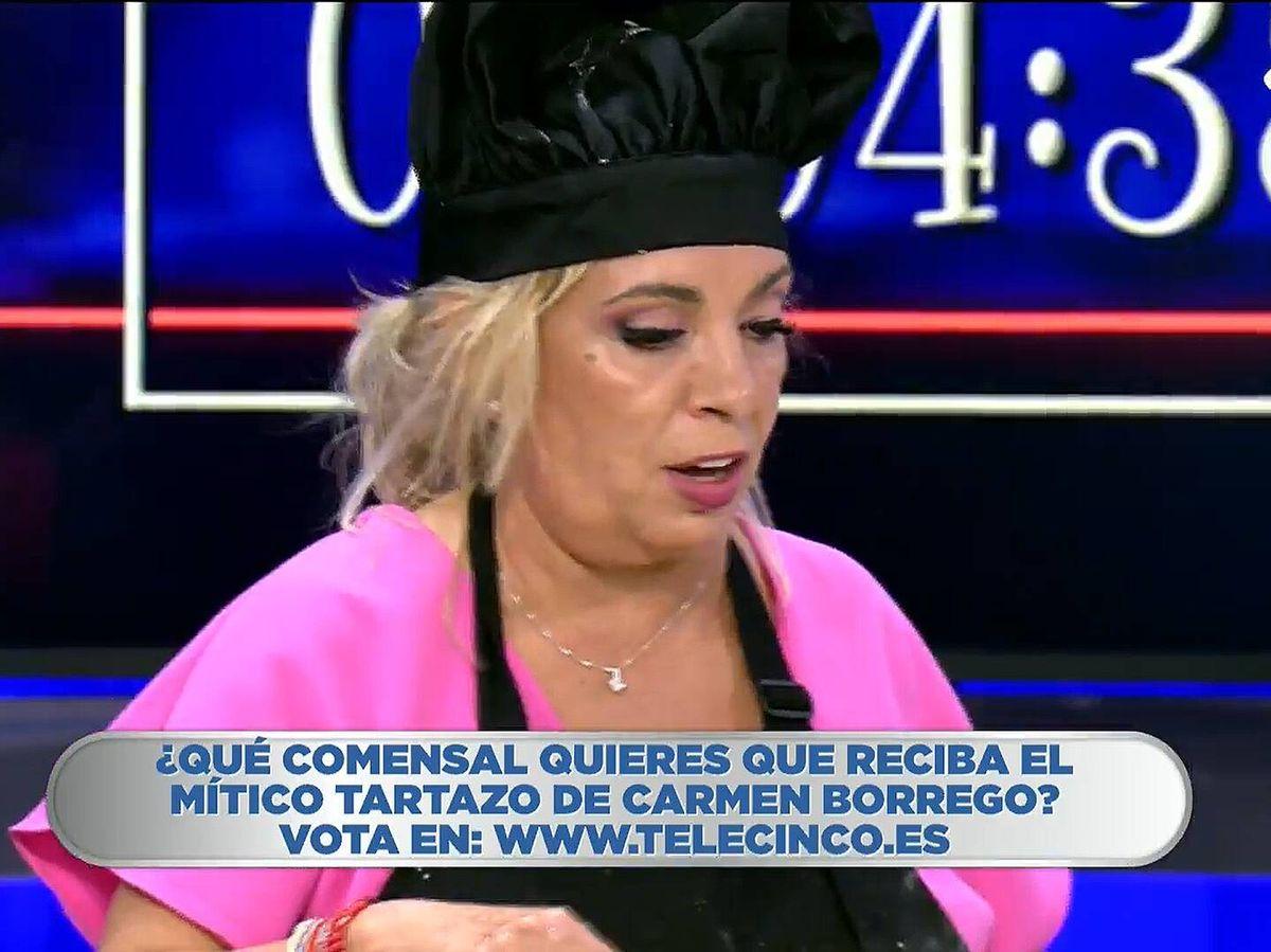 Foto: Carmen Borrego y Kiko Hernández, en 'La última cena'. (Mediaset)