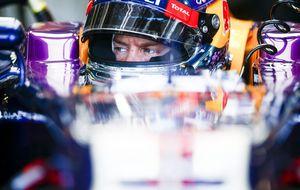 Vettel da el primer paso al título: domina los libres con Alonso décimo
