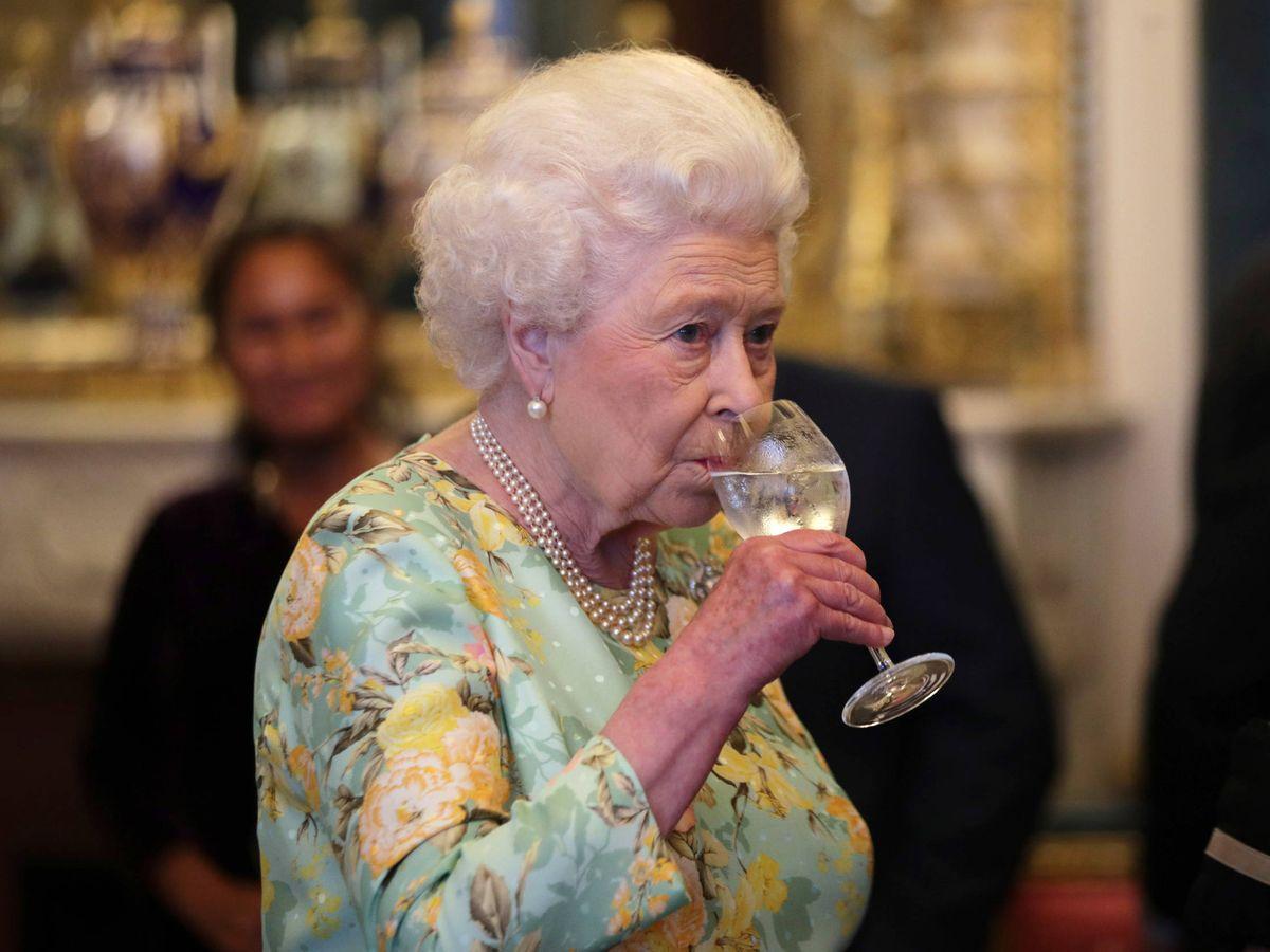 Foto:  Un brindis por la reina. (Getty)