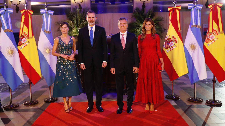 Los Reyes y el matrimonio argentino. (Casa Real)