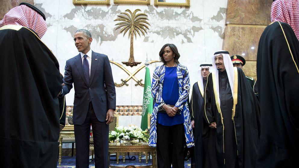 Michelle Obama, muy criticada por no llevar velo en Arabia Saudí