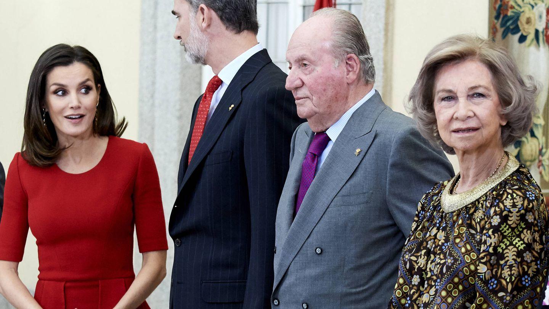 Los Reyes, junto a los eméritos. (LP)