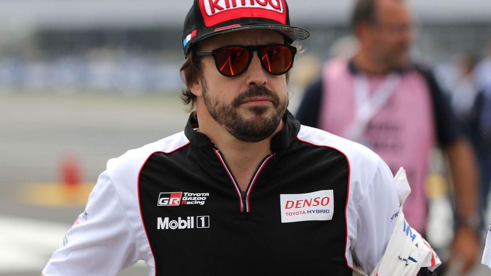 Foto: El futuro de Alonso en la Fórmula 1 está más en el aire que nunca (EFE)