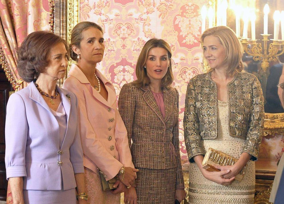 Foto: Doña Sofía, doña Elena, la reina Letizia y la infanta Cristina en una imagen de archivo. (Gtres)