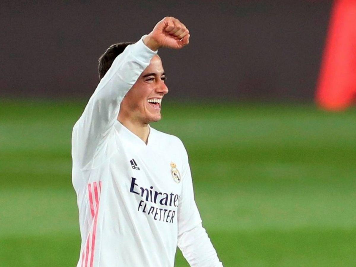 Foto: Lucas Vázquez, sonriente, durante un partido del Real Madrid.