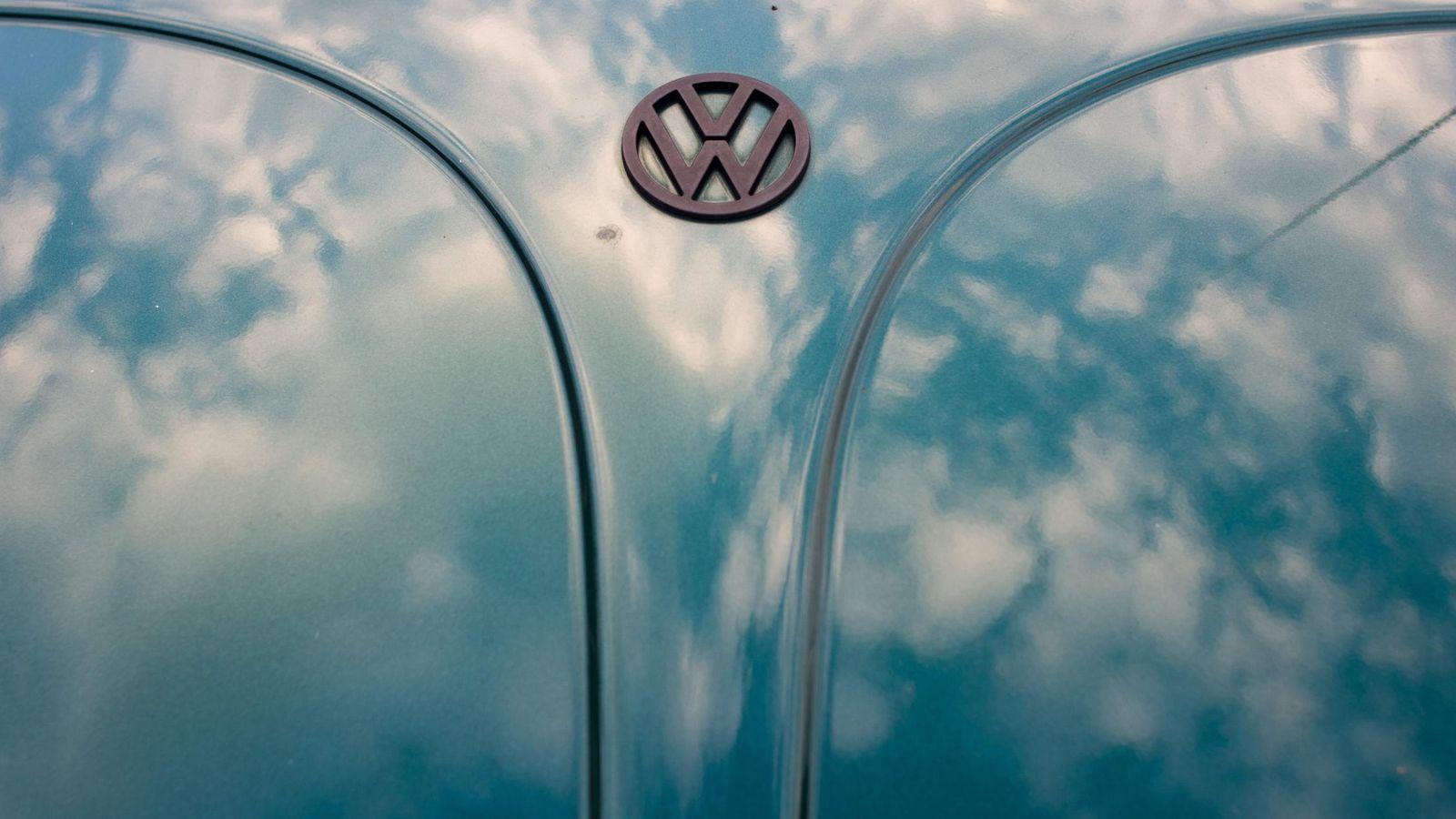 Foto: Capó de un Volkswagen Beetle (Efe)