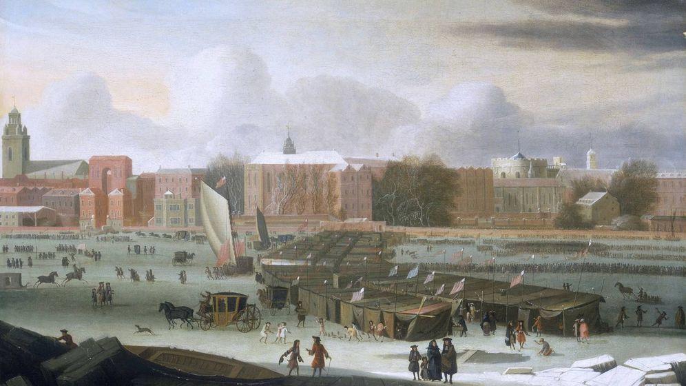 Foto: Una 'frost fair' que tuvo lugar en un Támesis congelado durante el invierno de 1683-84 durante la Pequeña Edad de Hielo (Abraham Hondius)
