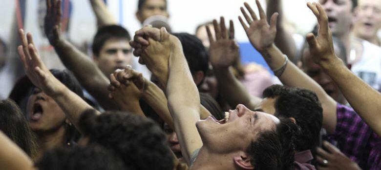Foto: Evangélicos durante una misa en la iglesia Cidade de Refugio, en Sao Paulo (Reuters).