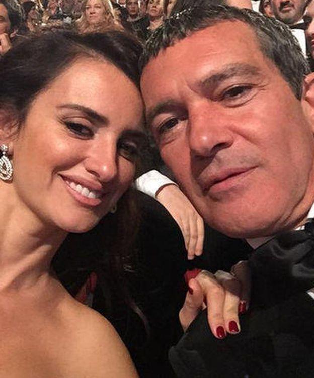 Foto: Penélope Cruz y Antonio Banderas (Twitter)