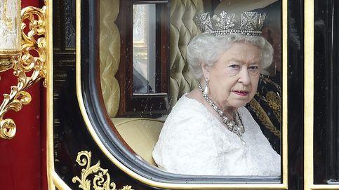 Isabel II recuerda en público la noche más memorable de su vida (con guiños a su padre)
