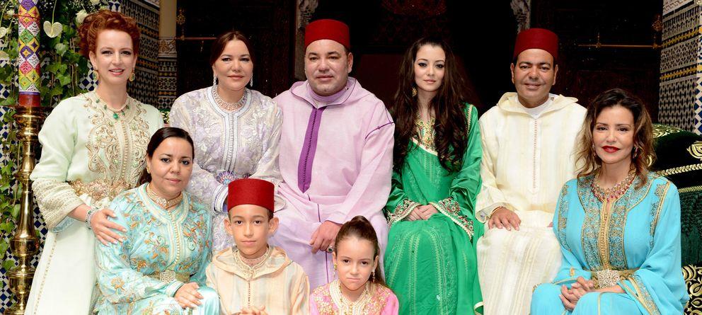 Foto: El Rey de Marruecos, Mohamed VI, en la boda de su hermano, el principe Moulay Rachid, en Rabat, el pasado 15 de junio (AP).