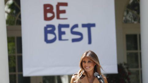 Melania Trump y su look de 6.000 euros para 'ser mejor' (con polémica incluida)