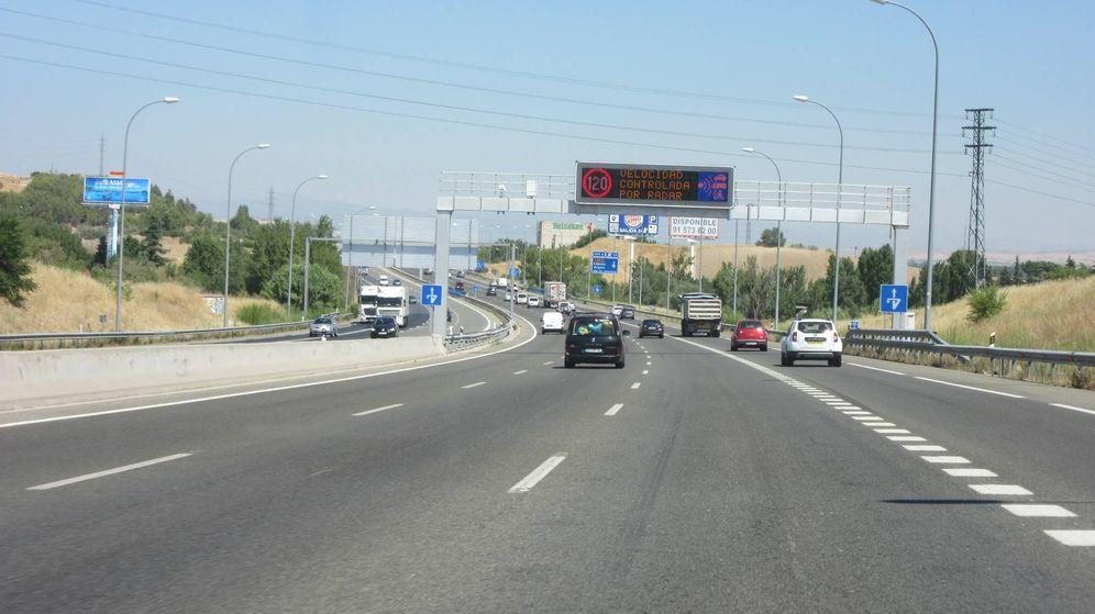Foto: Tramo de tres carriles más carril de deceleración en el desvío de Algete.