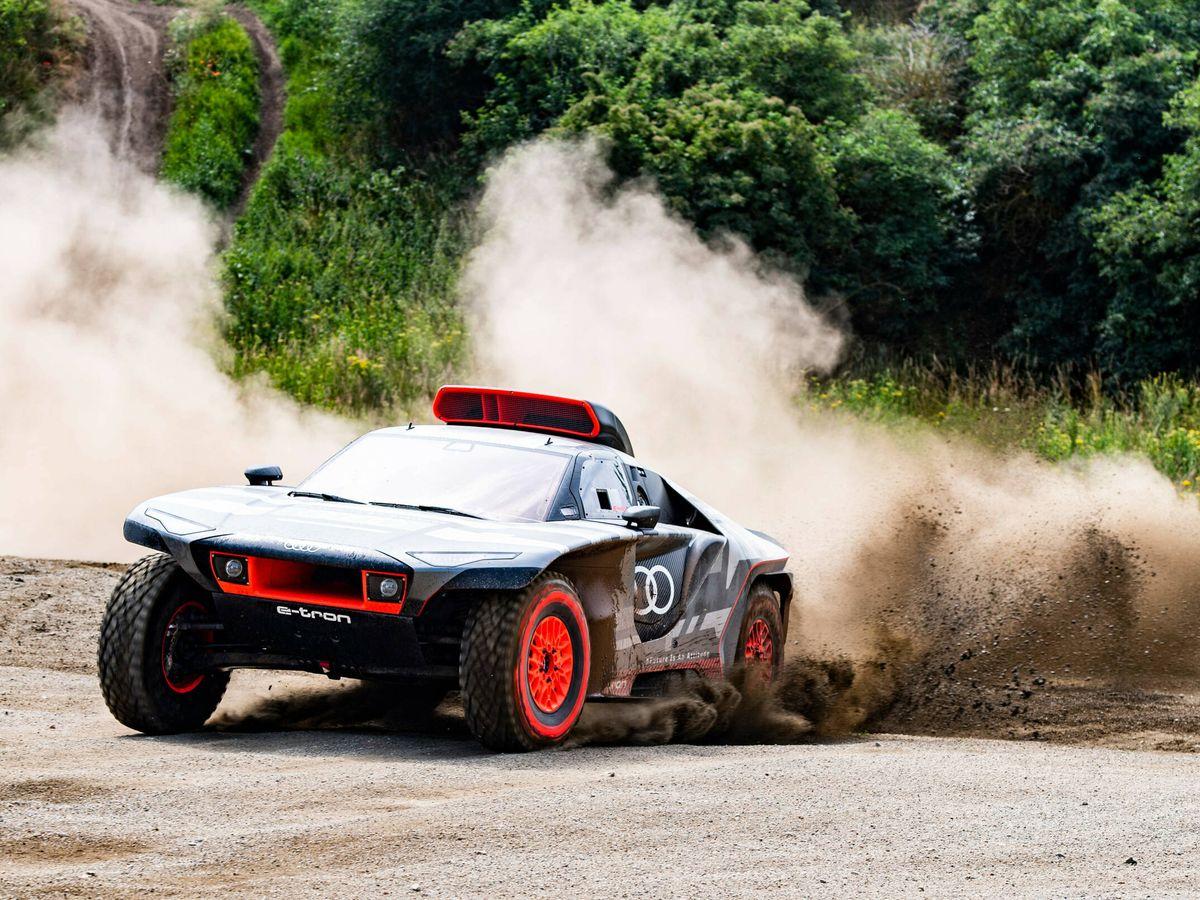 Foto: Tras las primeras pruebas del RS Q e-tron, Audi Sport ensayará el coche en varios raids de cara a su principal reto: ganar el Rally Dakar.
