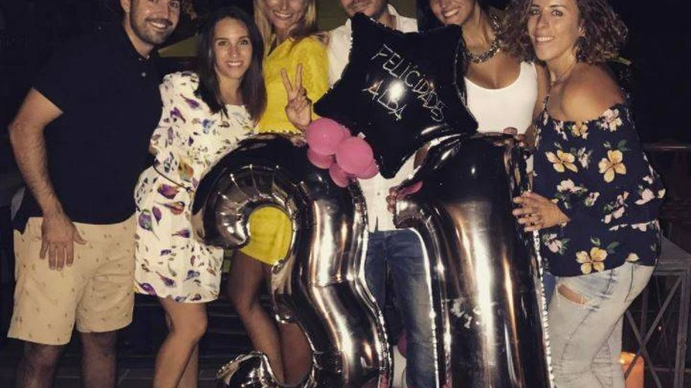 Alba Carrillo, tequila, canela y novio para celebrar su 31 cumpleaños