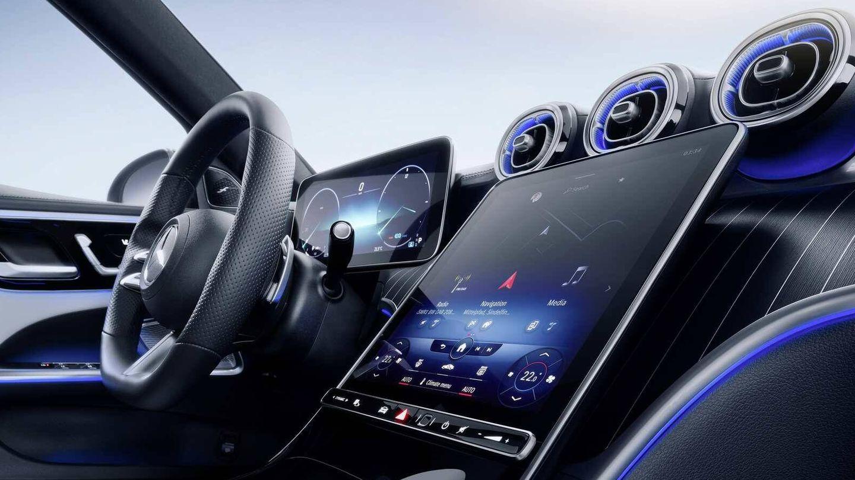 La combinación de las pantallas con el sistema MBUX de última generación resulta perfecta.