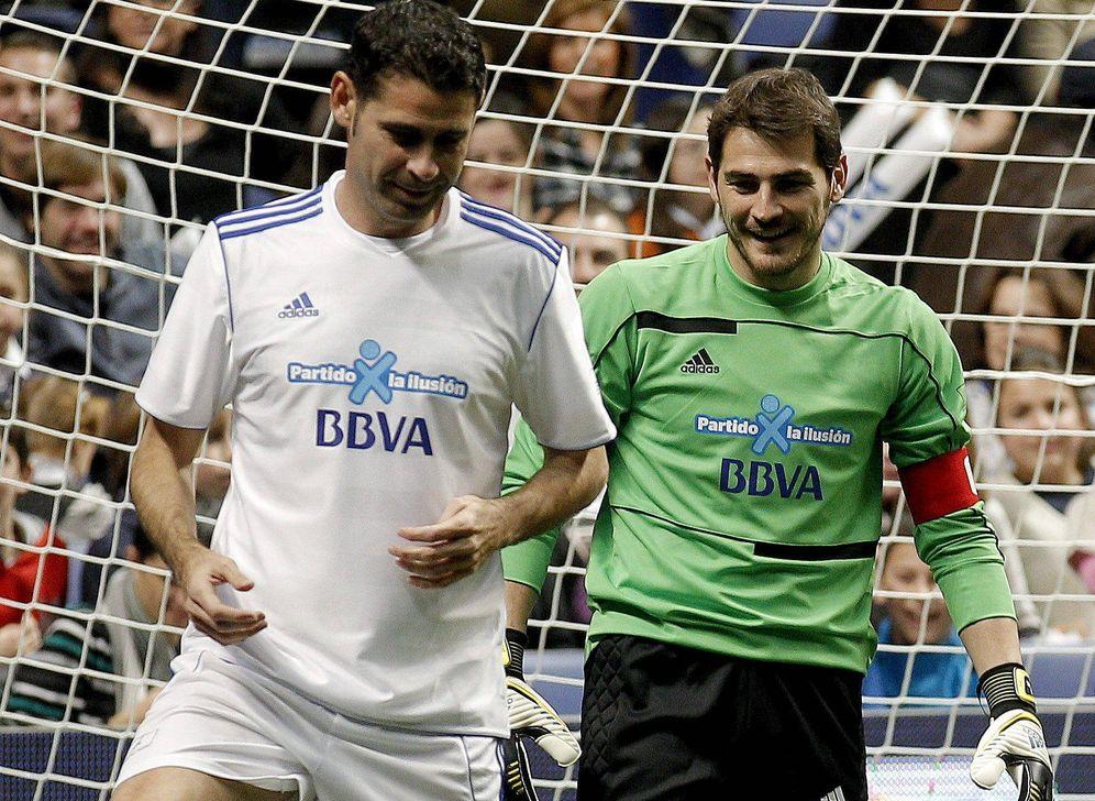 Foto: Iker Casillas y Fernando Hierro. Foto: Efe.